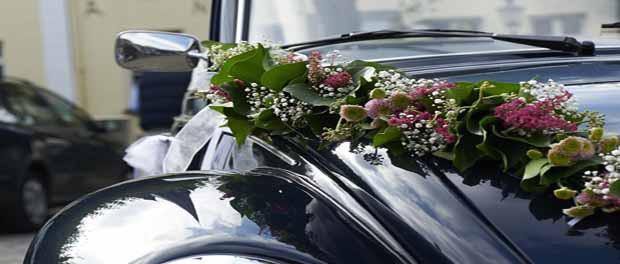 Hochzeitsauto Blumen Peeters